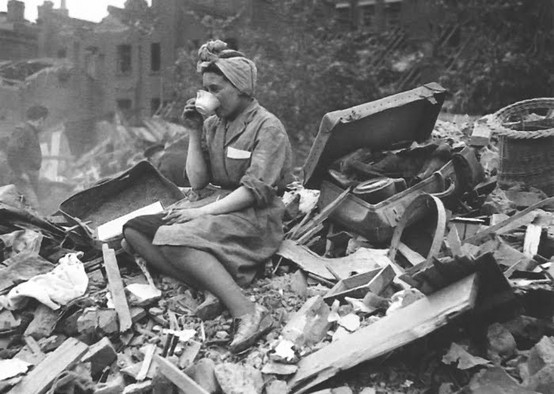 Drinking tea in London during the Blitz