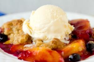 peach-blueberry-crumble-4-550