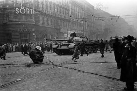 Russian tanks enter Budapest